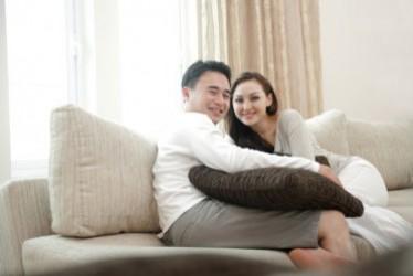 5 Tips Memberi Perhatian Pada Pasangan Meski Sedang Merasa Lelah