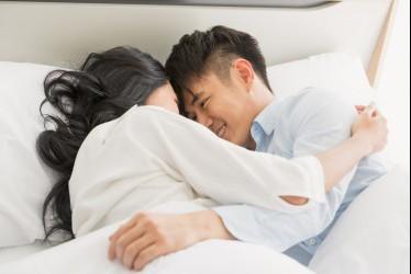 Hal Sepele yang Harus Kamu Hindari Saat Melakukan Hubungan Intim dengan Pasangan